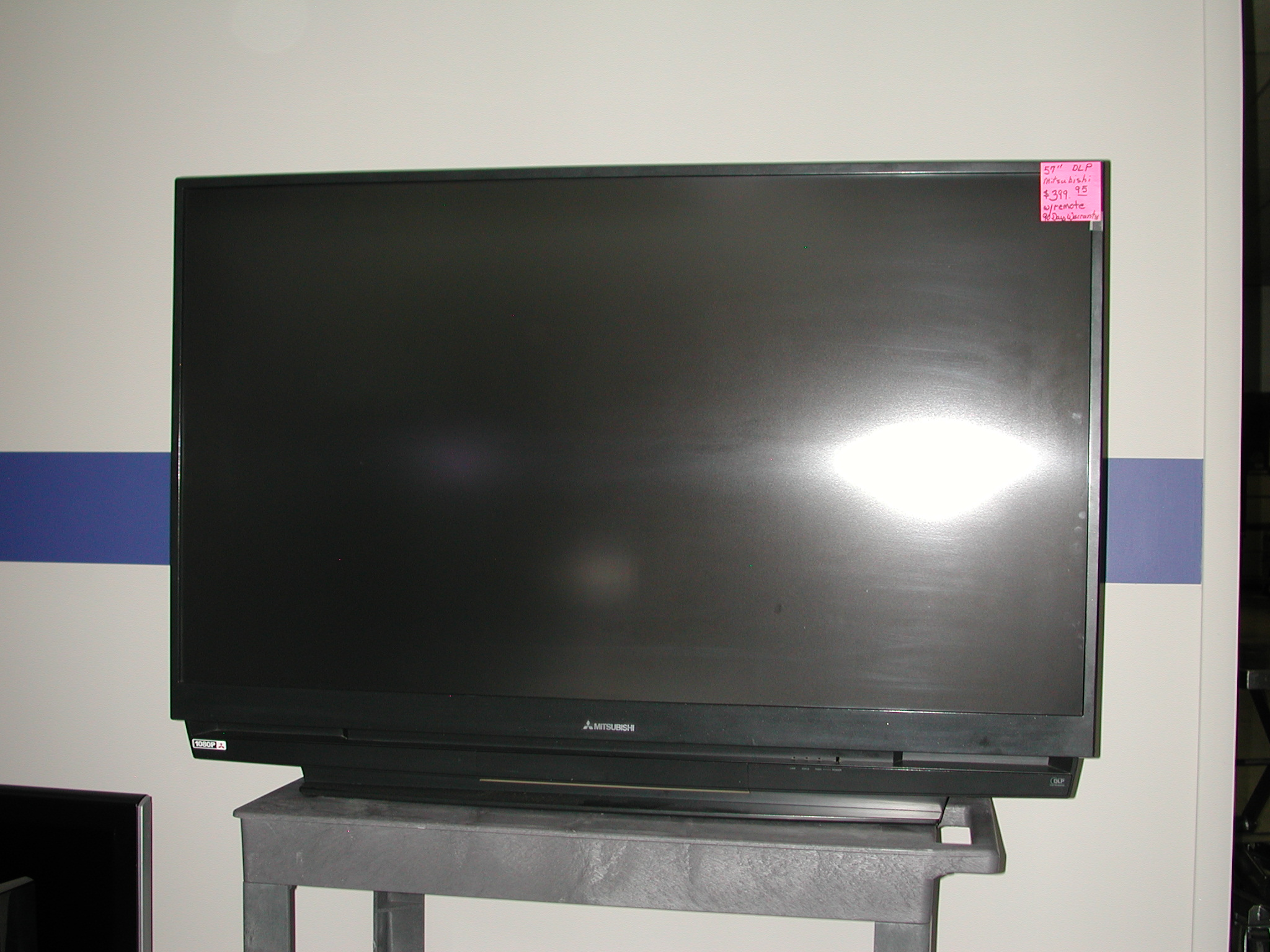 tv your replacing dlp mitsubishi med series wd on room philips lamp c